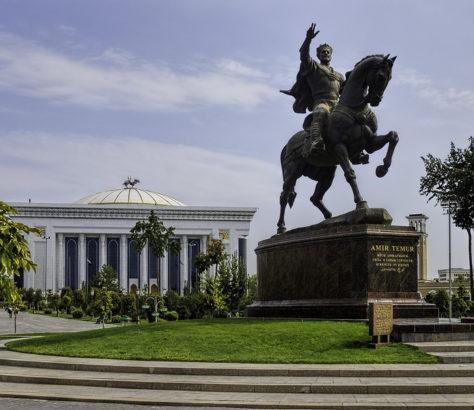 Amir Timur Statue in Taschkent Usbekistan