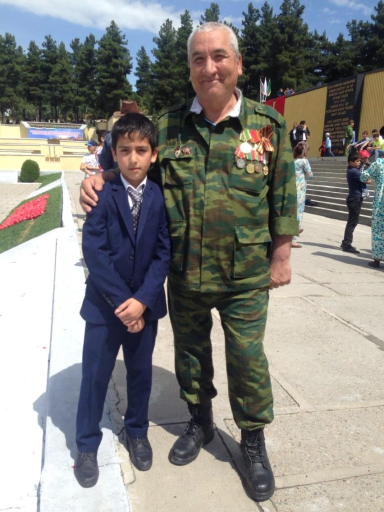 Menschen Zentralasiens Tadschikistan Duschanbe Mahadi Veteran