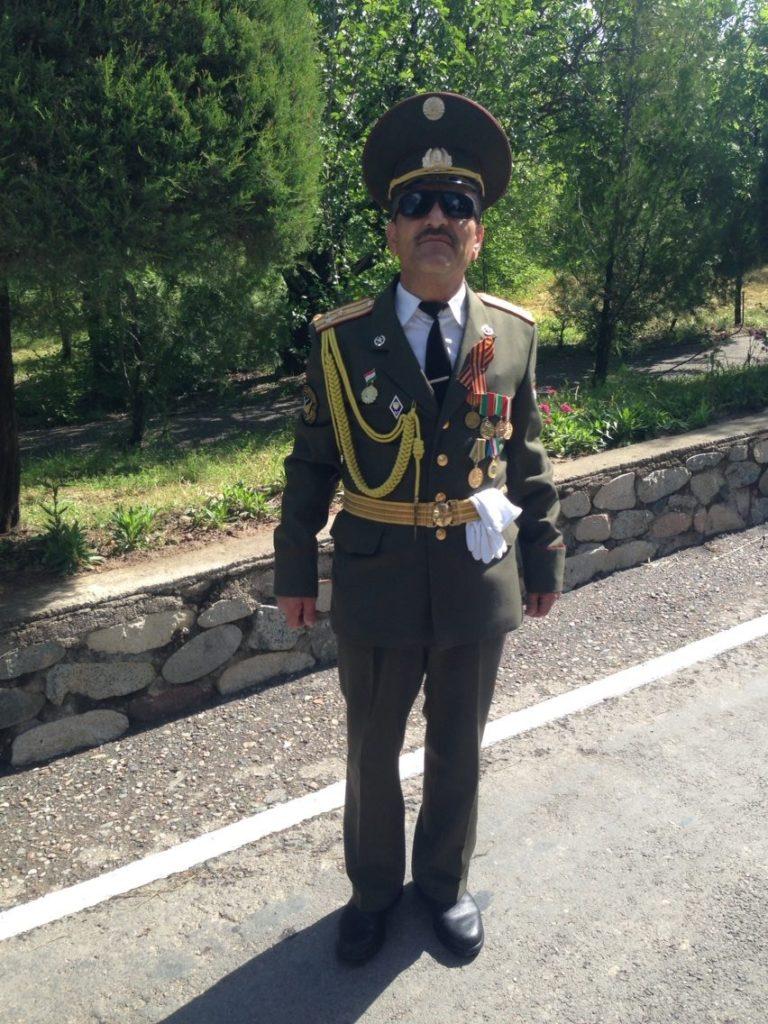 Menschen Zentralasiens Tadschikistan Duschanbe Oberst Ismailow Militär