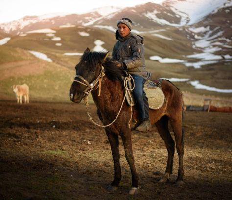 Arlen auf seinem Pferd Kirgistan