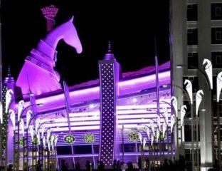 Achal Tekke Statue Aschgabat Turkmenistan