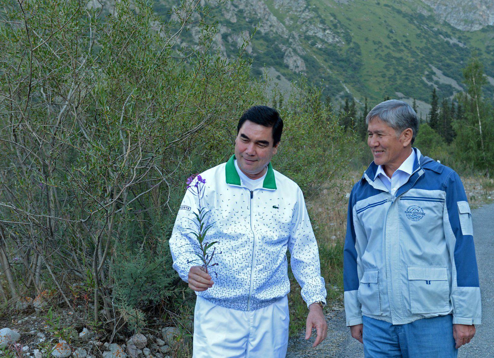 Almasbek Atambajew und Gurbanguly Berdimuchammedow