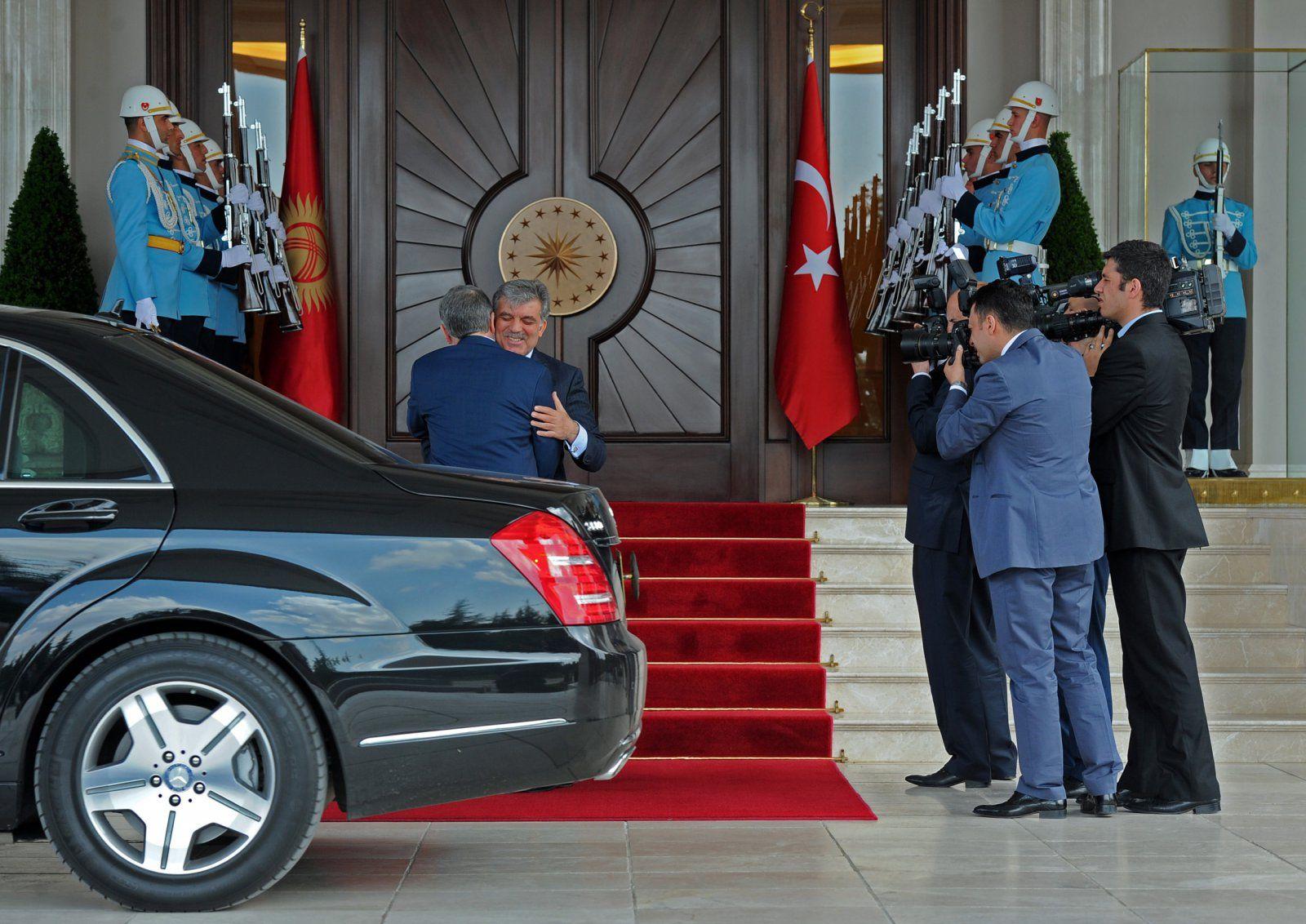 Atambajew Abdullah Gül in der Türkei