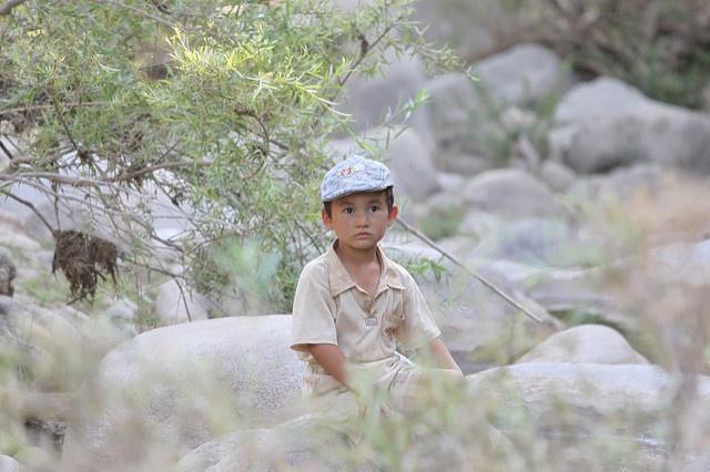 Ein junger Usbeke im Dorf Ajaktschi