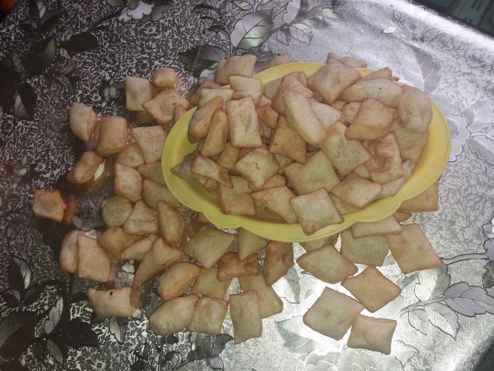 Boorsok Kirgistan Mittagstisch Delikatessen