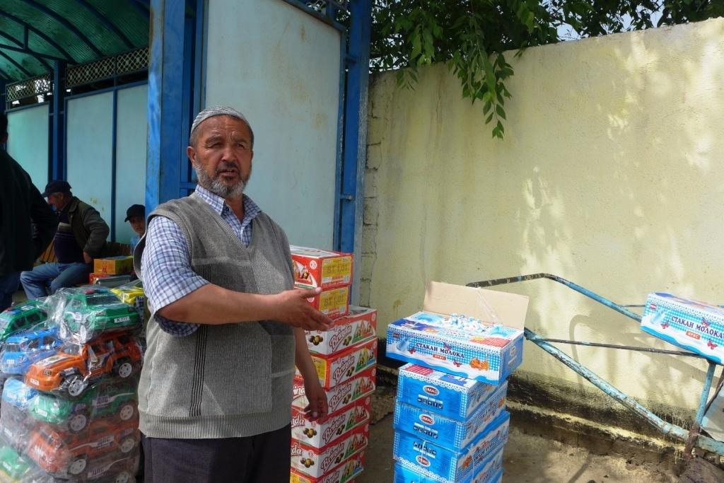 Tadschikistan Usbekistan Grenze Händler Handel