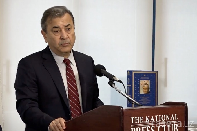 Senator Sadyk Safajew