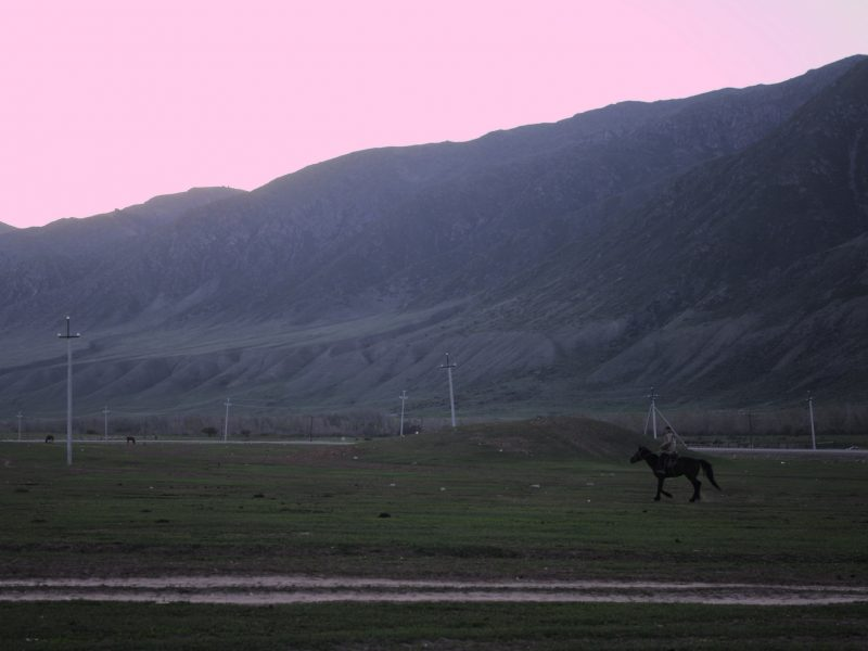 Kasachstan Kaindy-See Reiter