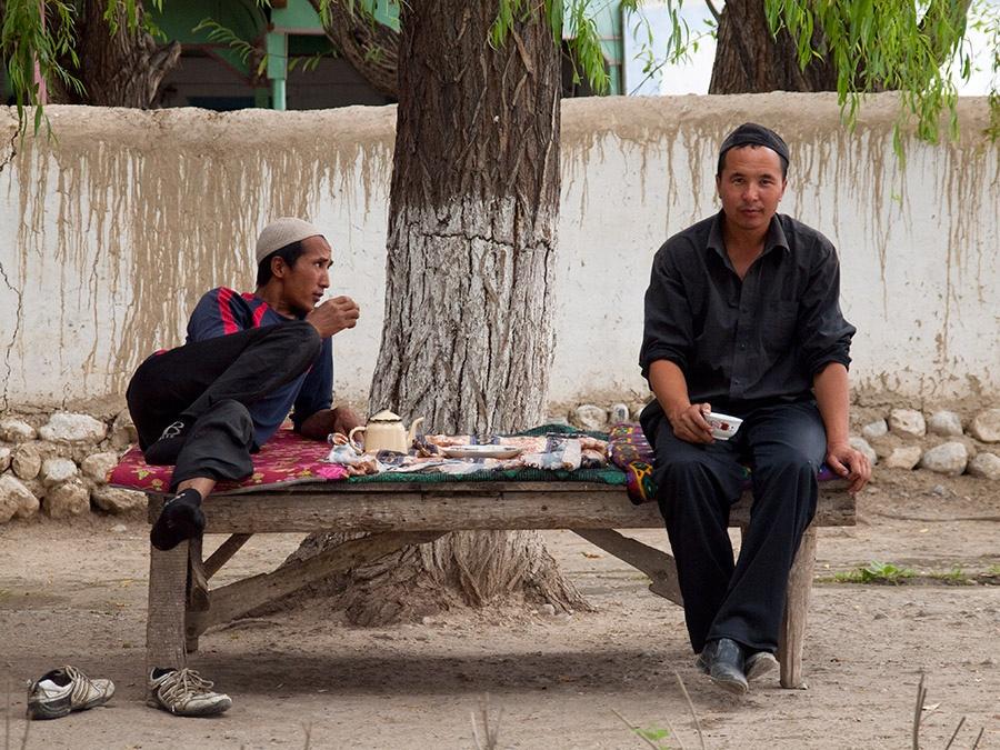 Tee am Straßenrand Batken Kirgistan