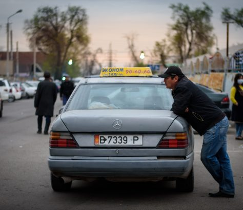 Taxi Marktplatz Bishkek Kirghizstan Antoine Béguier Bild des Tages