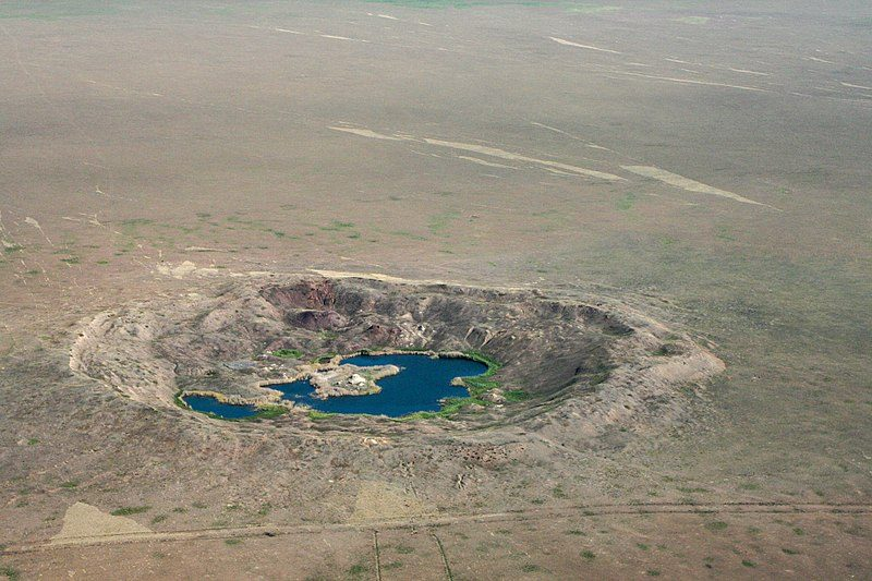 Krater auf dem Atomwaffentestgelände Semipalatinsk