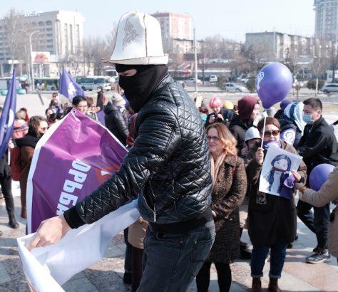 Frauentag Marsch Kirgistan