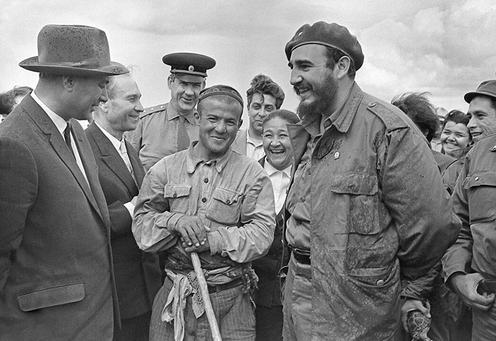 Rashidov und Castro während dessen Besuch in Usbekistan 1963