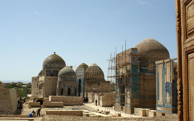 Shohizinda während der Restaurierungsarbeiten 2004