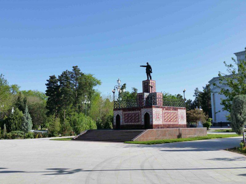 Eine Statute Lenins in Aschgabat