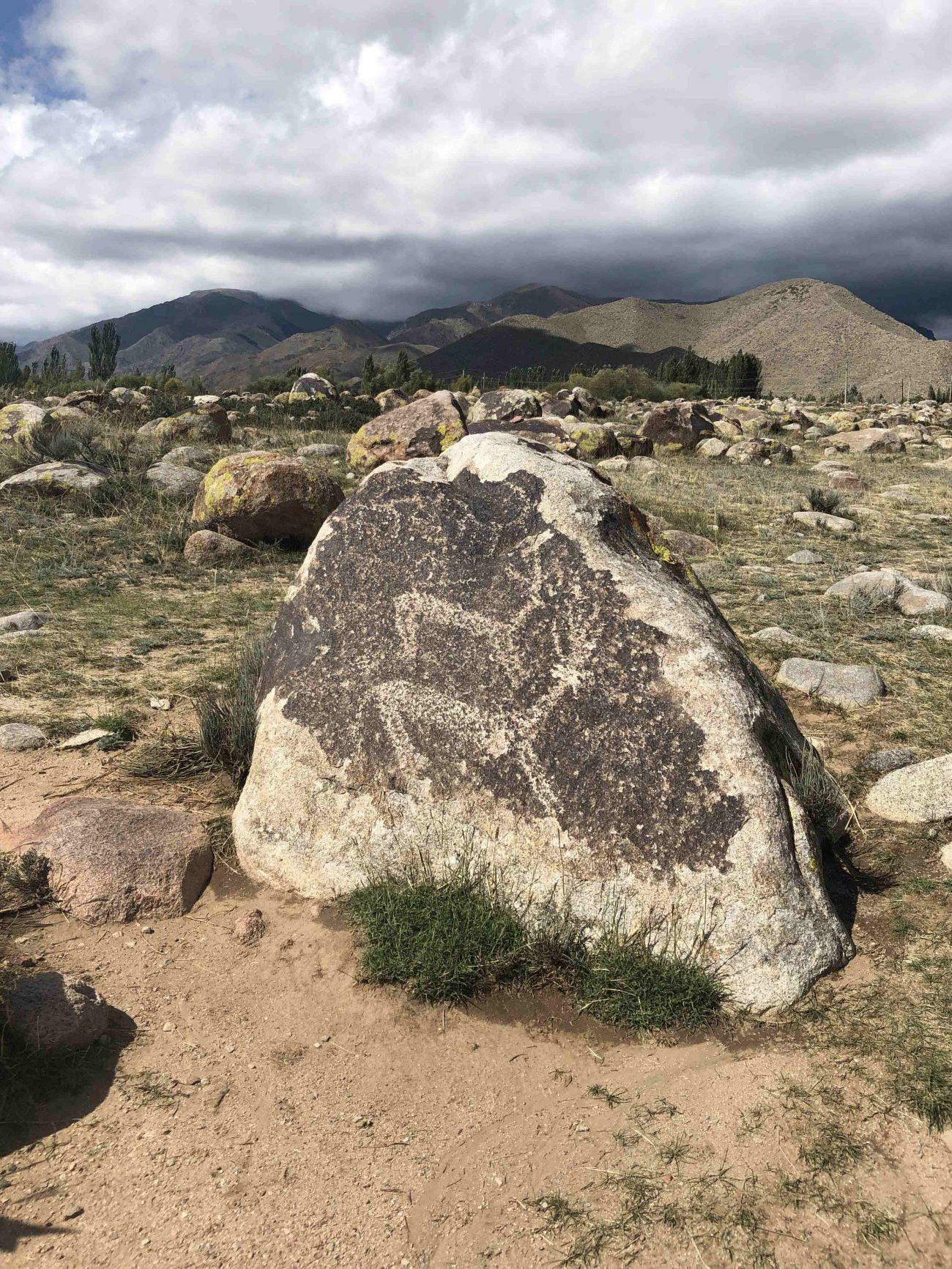 Steinmalereien in Kirgistan