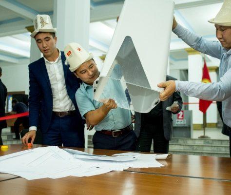 Kirgisische Parlamentswahl 2015 Auszählung