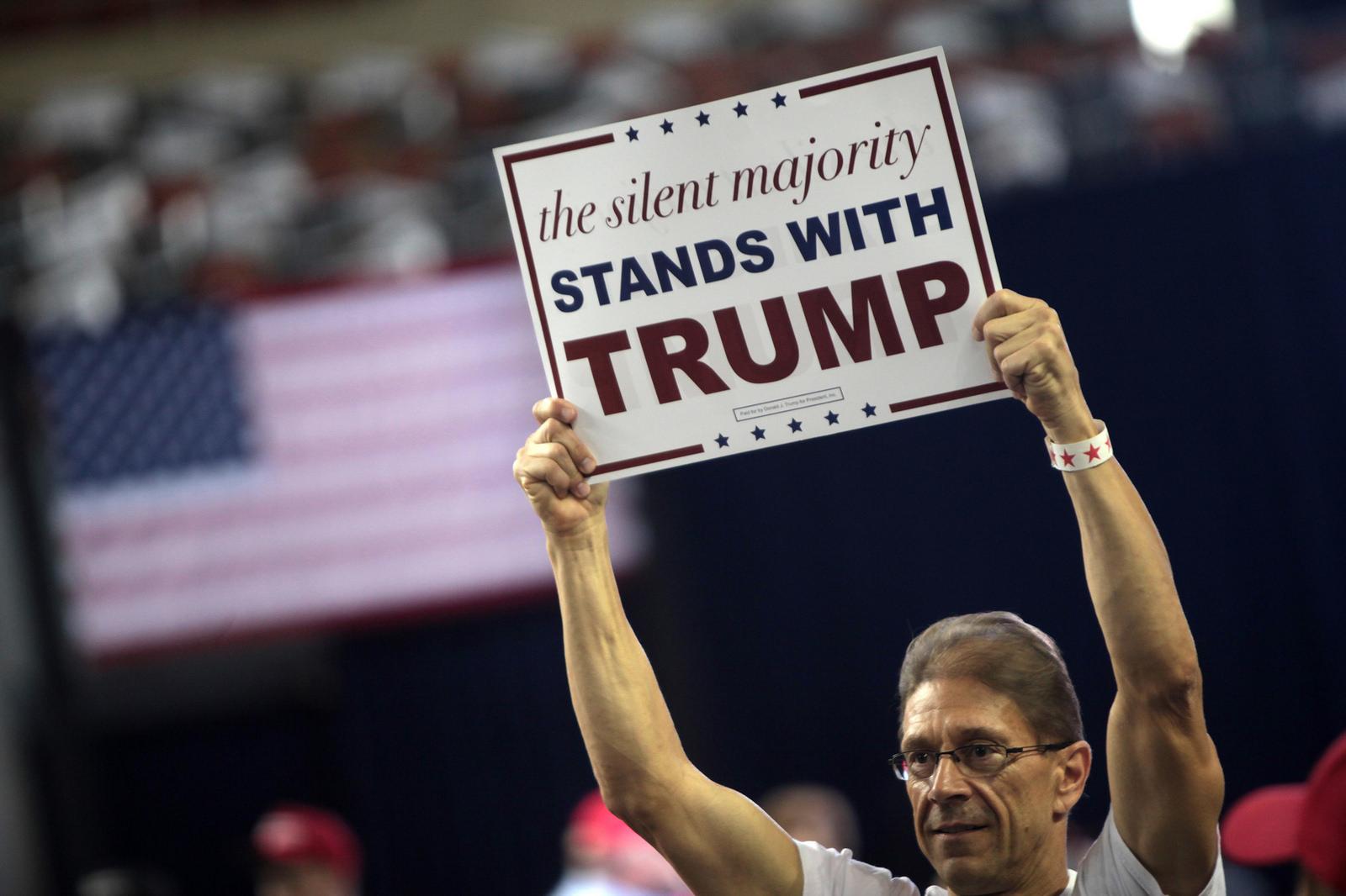 """Un des supporters de Donald Trump : """"La majorité silencieuse soutient Trump."""""""