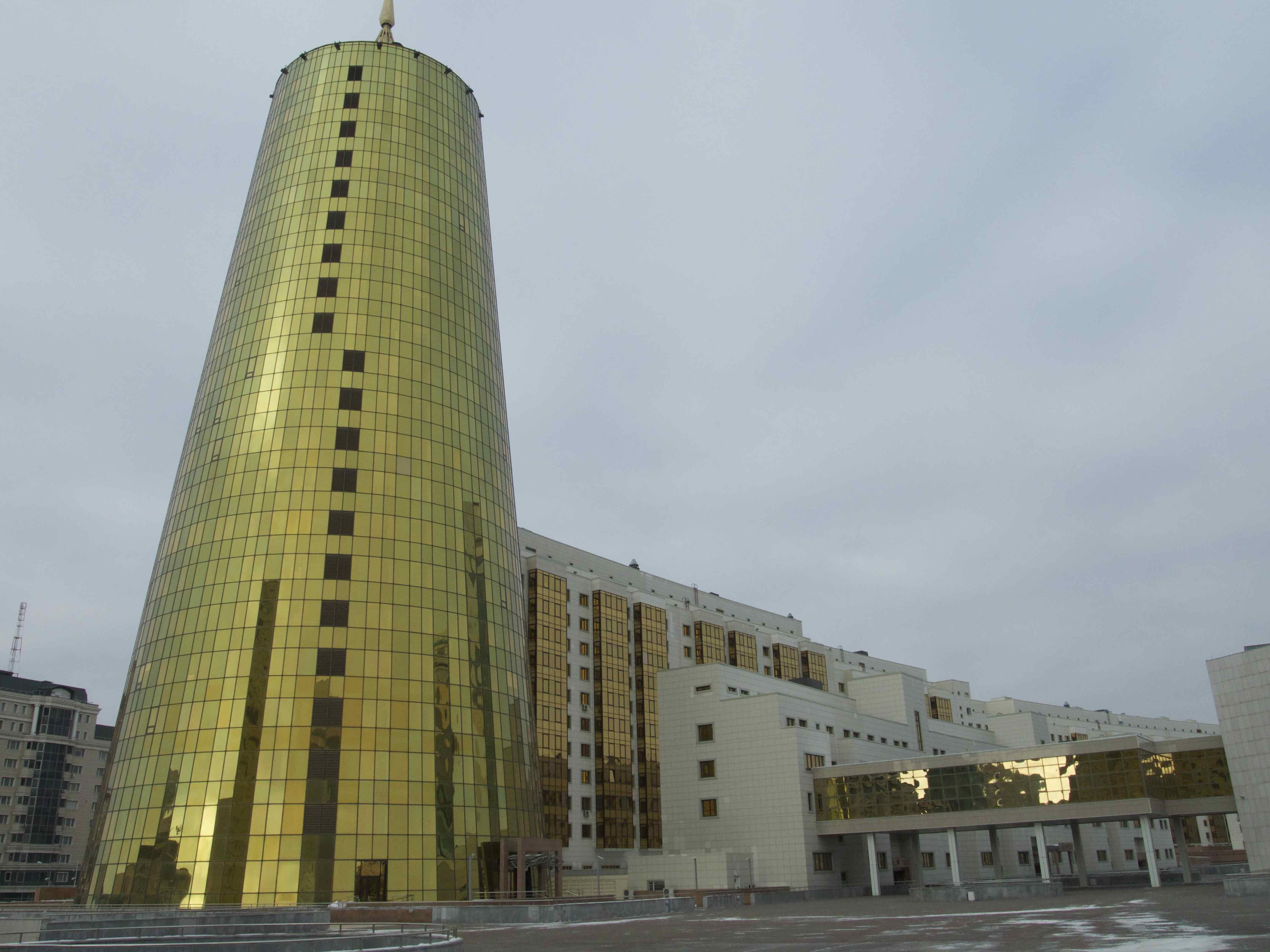 Le Parlement kazakh à Astana