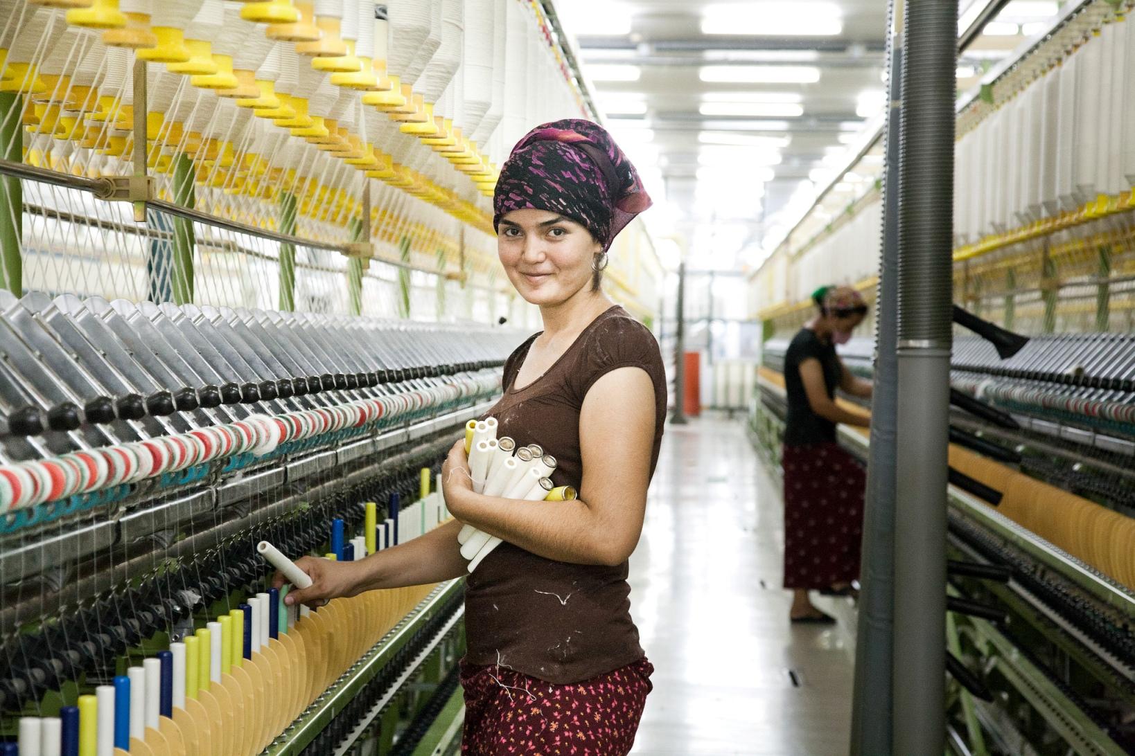 Usine Textile Ouvrière Turkménistan Travail