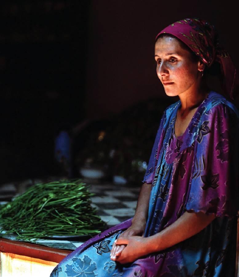 De nombreuses femmes tadjikes dépendent de leur mari, surtout en milieu rural
