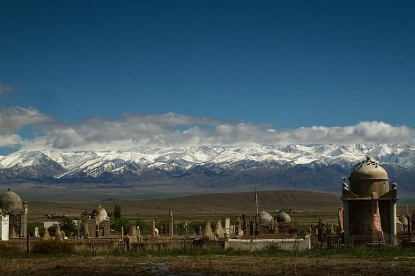 Cimetière Kirghizstan Tuz