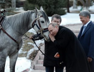 Poutine Atambaïev Kirghizstan Cheval