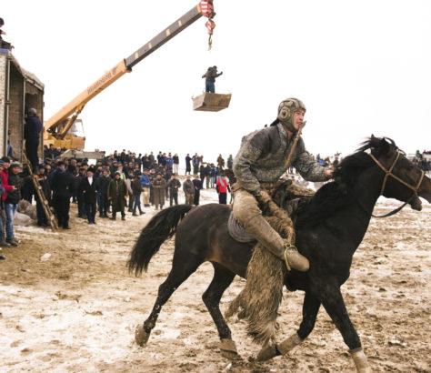 Kok Boru Ouzbékistan chèvre cheval jeu Asie centrale Kopkari Buzkashi