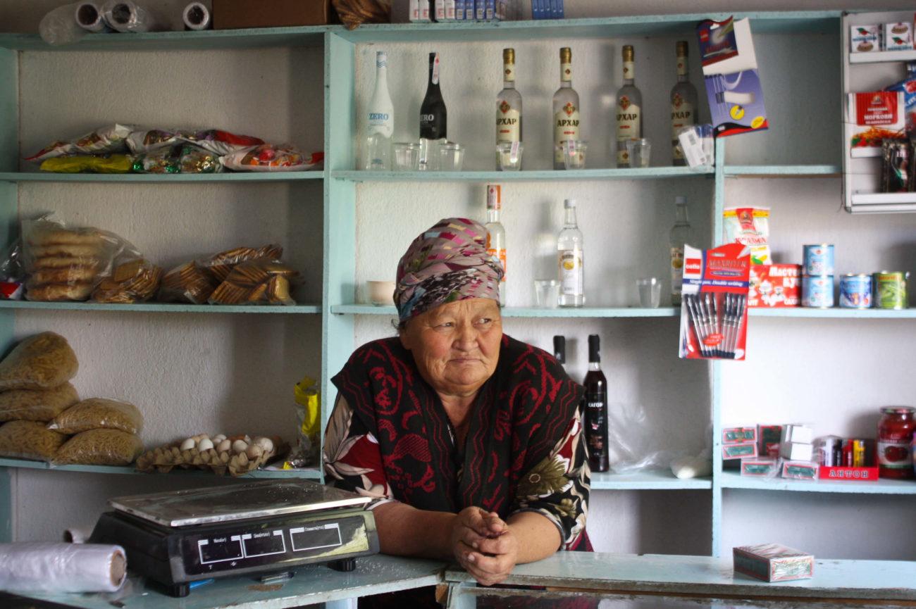 Güla Edje Ak-Talaa Kirghizstan épicerie