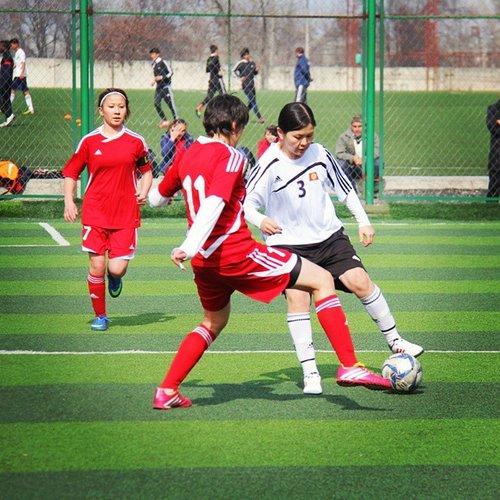 Foot féminin kirghizstan