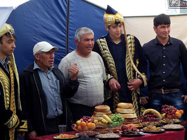 Un groupe d'Ouzbek émigrés en Russie, à Nijnevartovsk.