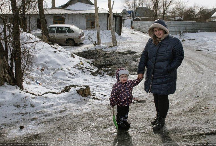 Prigorodny Kazakhstan Margarita Abdoulina enfant neige glace