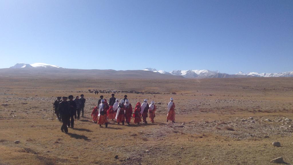 Pamir Kirghiz Afghanistan Plateau habit traditionnel