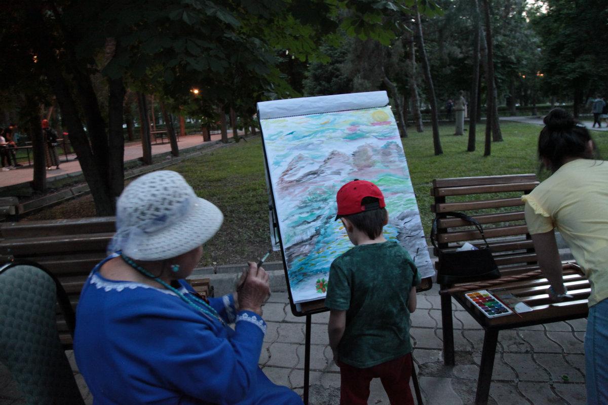 Nuit des musées Bichkek 2017 Kirghizstan Apprentissage Dessin