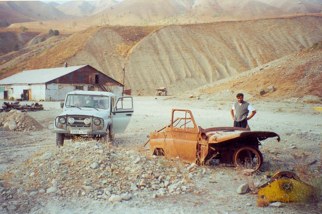 Guerre civile Tadjikistan Carcasse Ruine 2007