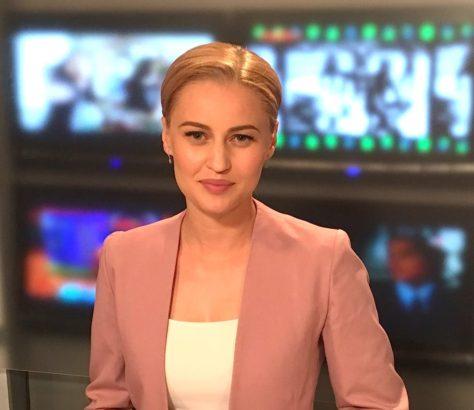 Evegeniya Goubina présentatrice de télévision Kirghizstan infos