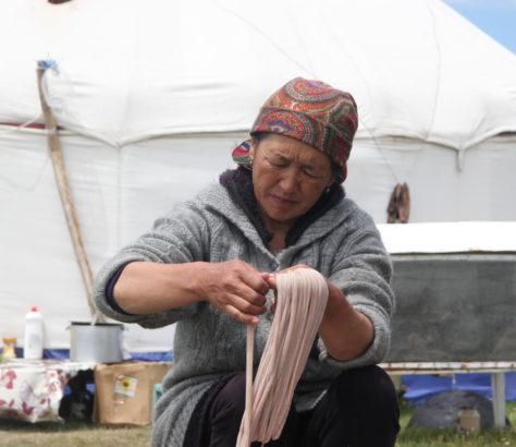Préparation mouton Kirghizstan Cuisine Tradition