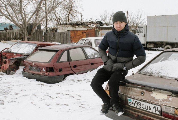 Ekibastouz Kazakhstan Timour Touleoubaïev Voiture carcasse Quartier 208