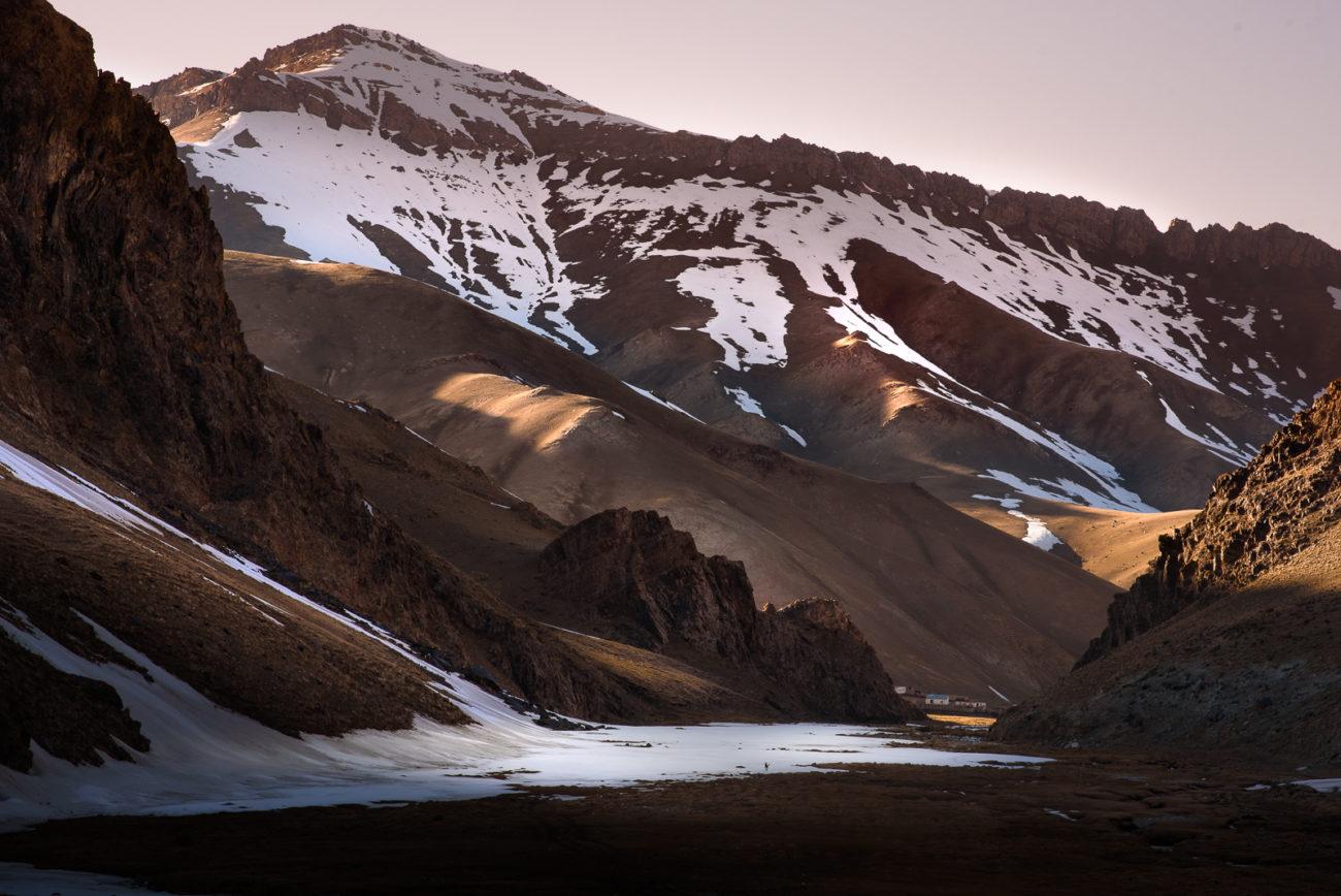 Montagnes Fermes Kirghizstan Chine
