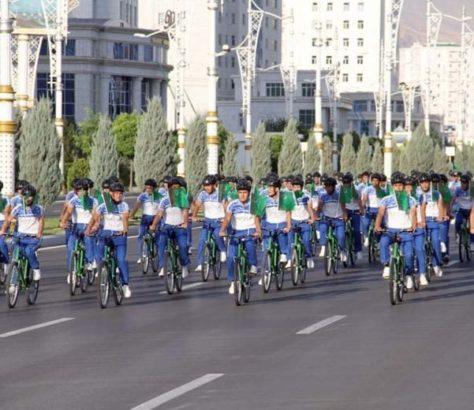 Journée Voitures Turkménistan