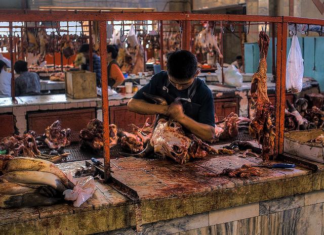 Le marché de viande à Bichkek