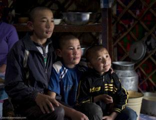 Kazakhs Kazakhstan Enfants Lise Barcellini Livre
