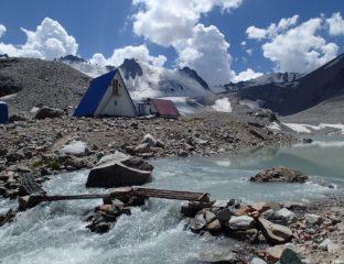 Glacier Kirghizstan Station Contrôle Montagne Bichkek Environnement Réchauffement climatique