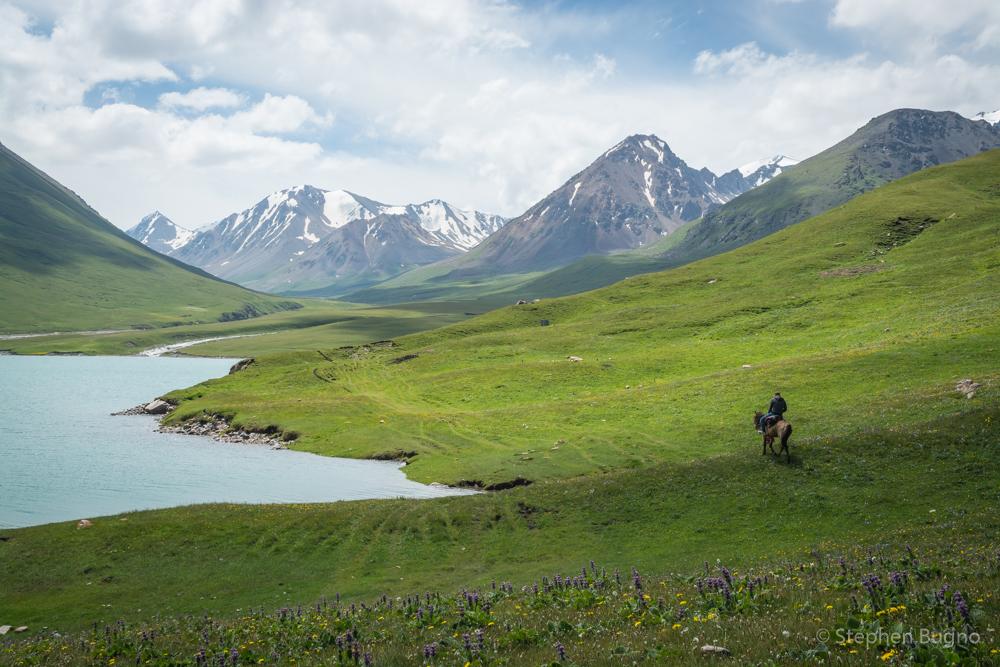 Kirghizstan Randonnée Cheval Montagne Lac Prairie
