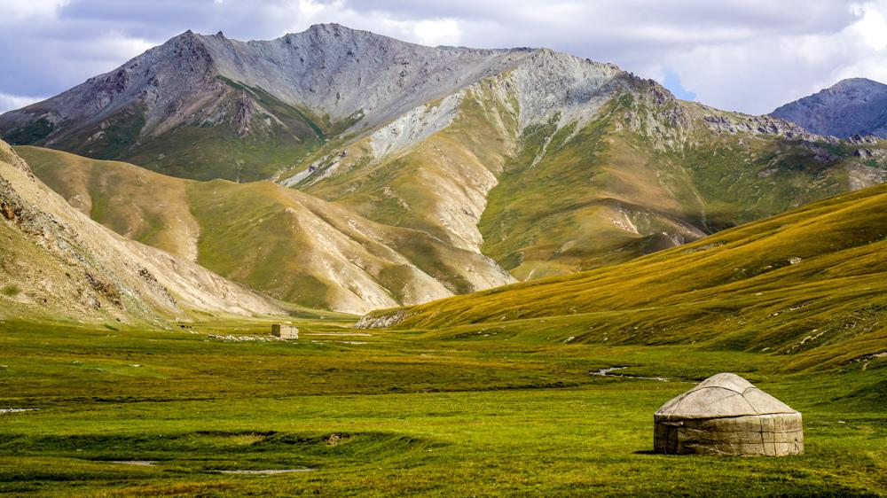 Kirghizstan Nomade Yourte Vallée Prairie