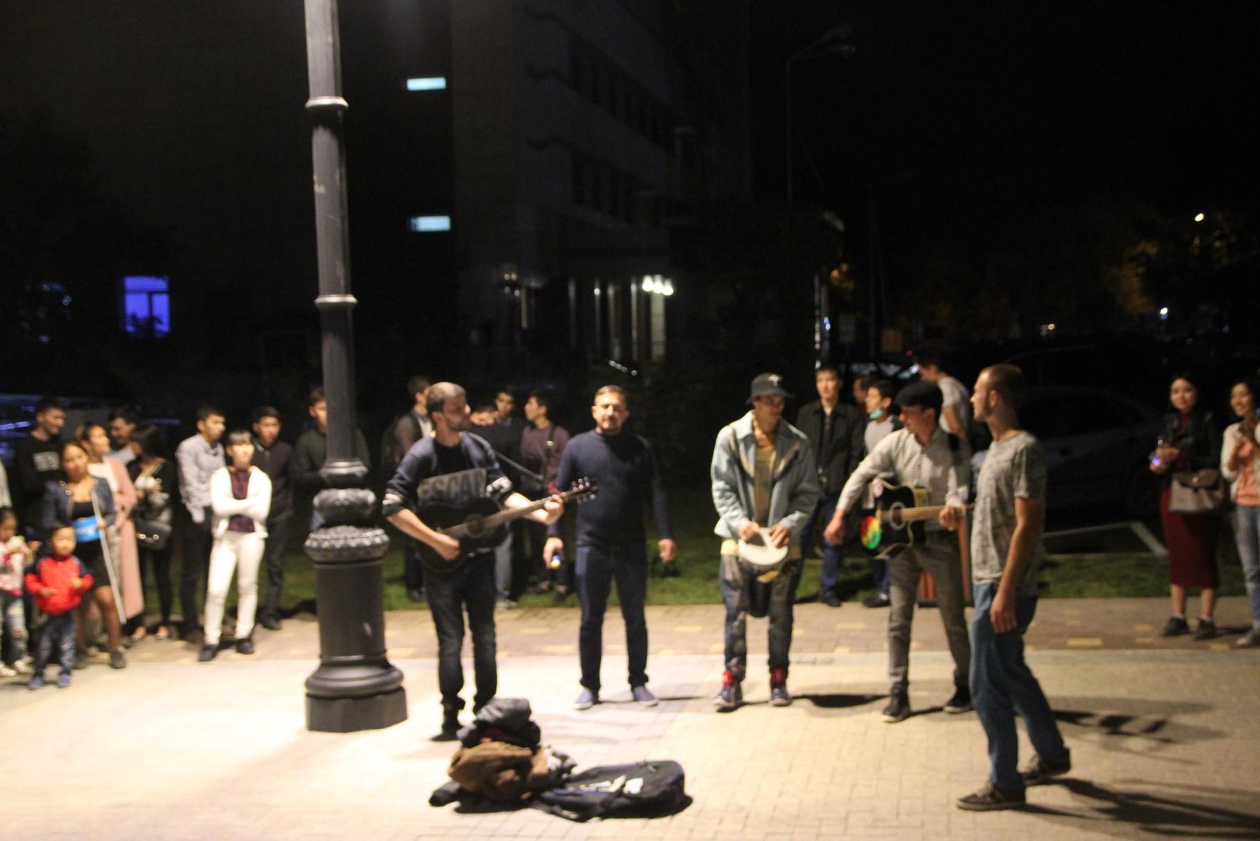 Nombreux Converts 1001 Ans Almaty