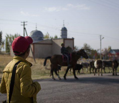 Campagne Village Kirghizstan Mosquée