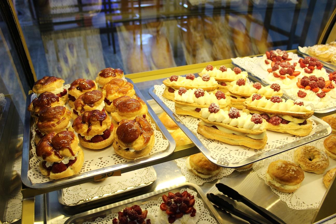 Pâtisseries Genres Vitrines Eclair