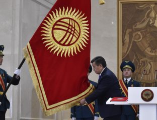 Sooronbaï Jeenbekov passation Président Kirghizstan