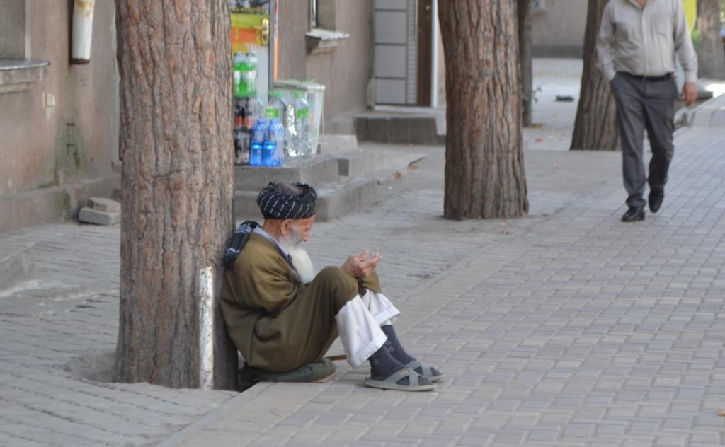 Zokir Mendiant Tadjikistan Douchanbé
